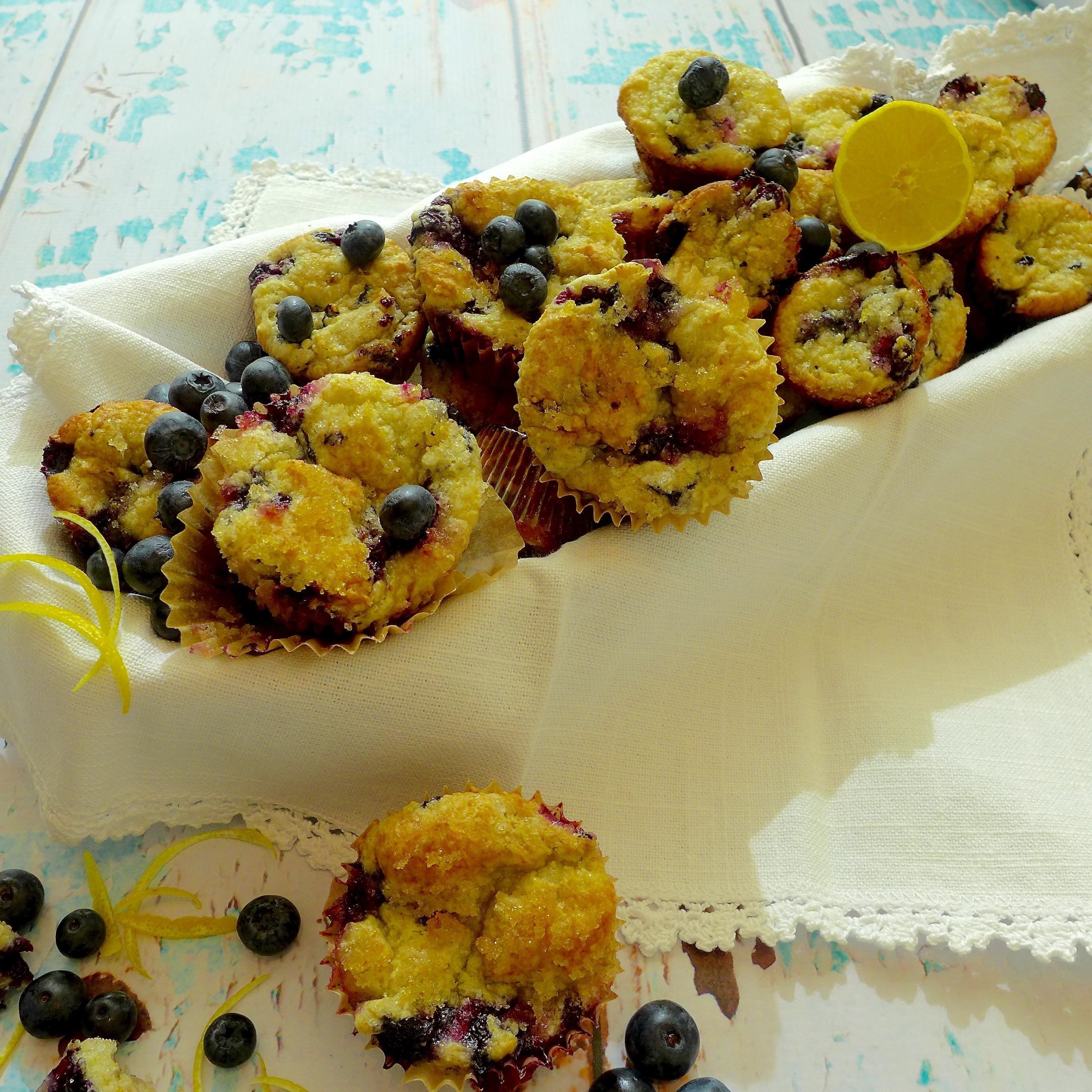 Make 12 regular or 24 mini muffins.