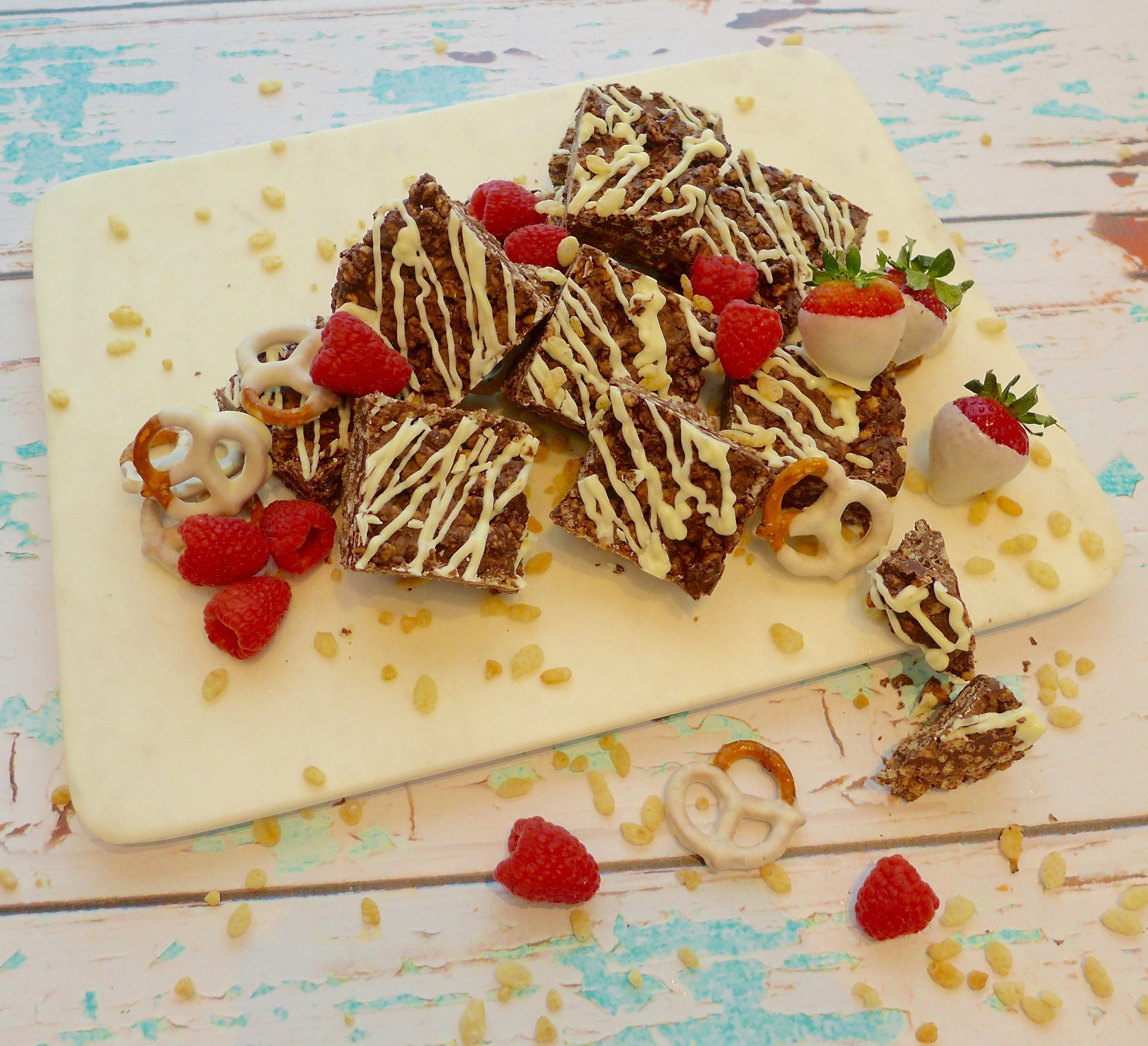 Get the party started with these no bake, gluten free chocolate crunch bars. Recipe and decorating ideas at diginwithdana.com