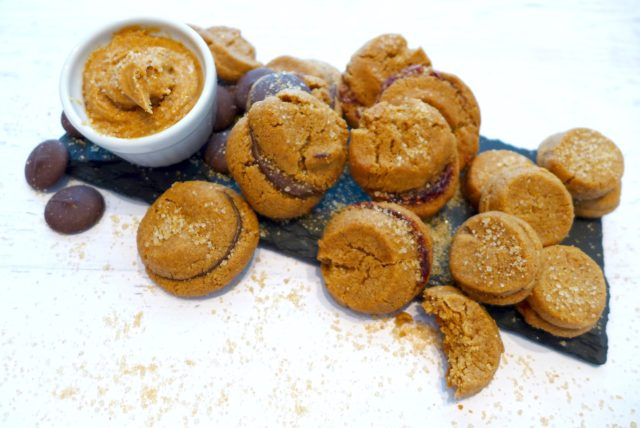 Nutty Butter Sandwich Cookies with peanut butter, jam or chocolate fillings at diginwithdana.com